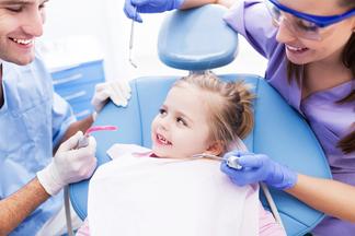 Новогодняя акция на профессиональную детскую гигиену зубов
