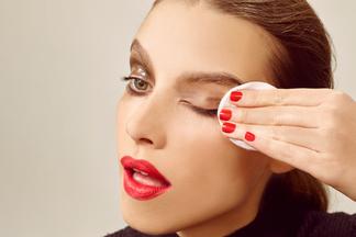 Очищение кожи вечером обязательно, утром — желательно! Специалист о том, как выбрать средство демакияжа