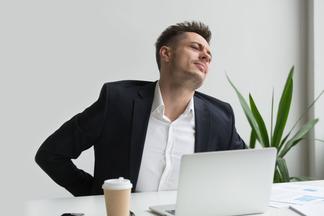 А вы умеете правильно сидеть и спать? Как сохранить здоровье спины