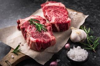 Ученые рассказали, чем опасно красное мясо и печень