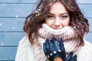 Первая зимняя помощь! Девушки рассказывают, чемспасают волосы вхолода