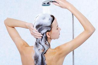 Дерматолог рассказала, как часто нужно мыть волосы