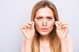 Пелена перед глазами! Разбираемся, при каких симптомах нужно срочно бежать к офтальмологу