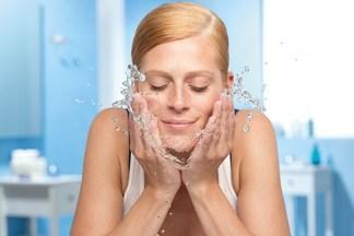 Мицеллярная вода: что это такое и как правильное ее использовать