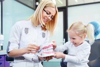 Как сделать поход ребенка к стоматологу приятным?