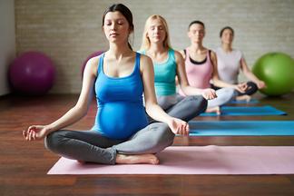 Йога во время беременности: польза и вред
