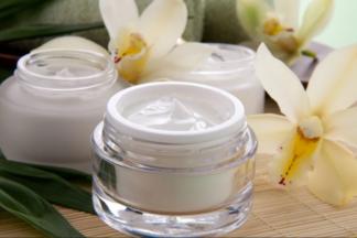 Дерматологи: отбеливающие кремы действуют на кожу как растворитель