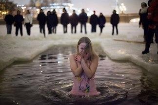 Правила безопасности при купании в проруби на Крещение