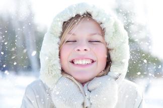 Как защитить губы от трещин в холодную погоду?