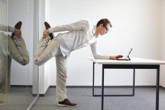 Разминка для спины в офисе: 7 простых упражнений