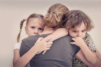 Как определить, что вы слишком хлопочущая или слишком холодная мать?
