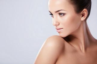Как правильно ухаживать за кожей на шее?