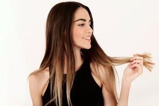 «Многие даже расчесываются неправильно!»:  врач о том, какотрастить волосы, которые нерастут