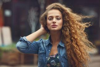 ТОП-10 дельных советов по уходу за вьющимися волосами