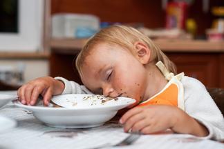 Что нельзя делать после приема пищи: 7 вредных привычек