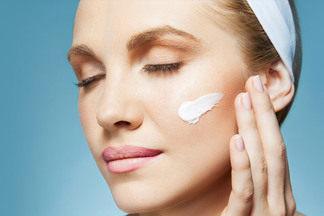 Как выбрать крем для лица, который подходит именно вам? Интервью с косметологом