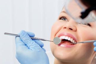 Не верьте своему стоматологу! Пародонтолог о том, почему лечение часто не приносит результатов и что с этим делать