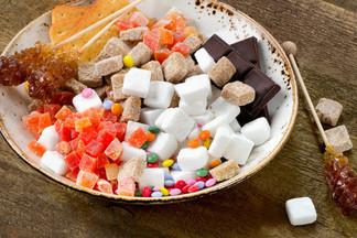 Названы главные последствия чрезмерного употребления сахара