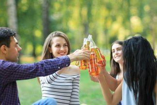 Ученые назвали безопасную дозу алкоголя в неделю