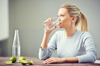 В каких случаях нельзя пить много воды?