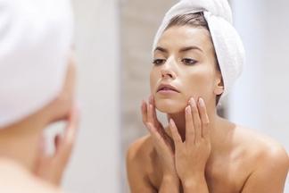 Жирная кожа лица: самые распространенные причины