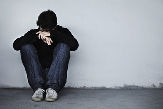 Психологи назвали основные признаки мужской депрессии