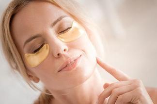 Патчи для кожи вокруг глаз: чем они полезны и как могут навредить
