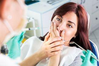 Почему у беременных женщин портятся зубы?