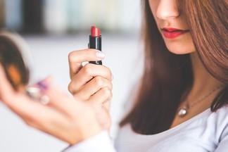 Какие болезни можно «подцепить» через тестеры косметики?