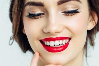 Профессиональное отбеливание системой MagicSmile в стоматологии «Пломбир»