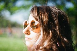 Не допустить преждевременных морщин, пигментации и меланомы: защищаемся от солнца правильно
