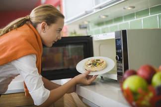 Как микроволновая печь влияет на продукты: пояснение МОЗ