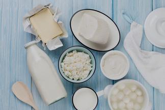 Дела молочные: диетолог о том, как выбрать сыр, сметану, кефир и не только