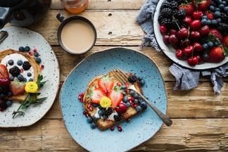 Топ-5 советов как правильно питаться в жару, чтобы не перегрузить организм