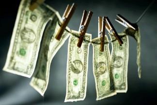 Грязные деньги: какие микробы живут на банкнотах и монетах