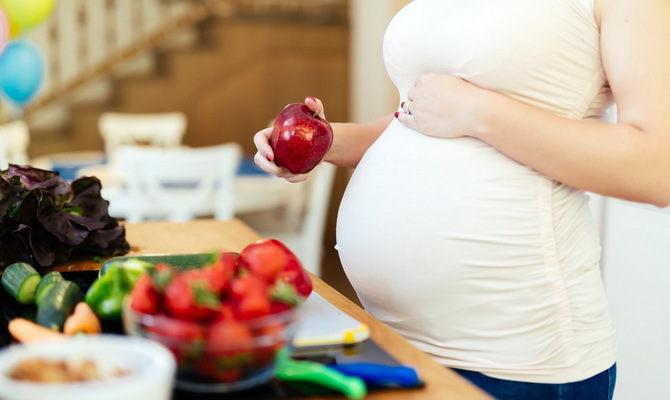 Чем полезны яблоки беременной женщине 58